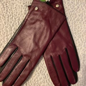 NWT: Kate Spade Leather Tech Gloves. SZ: Large